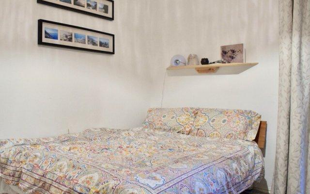 Отель Charming 1 Bedroom Property Next to Hampstead Heath комната для гостей