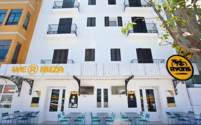 Отель Hostal La Marina Испания, Ивиса - отзывы, цены и фото номеров - забронировать отель Hostal La Marina онлайн вид на фасад