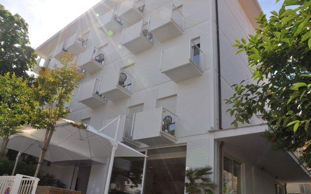 Hotel Consul вид на фасад