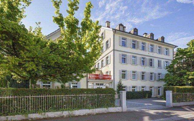 Отель Swiss Night by Fassbind вид на фасад