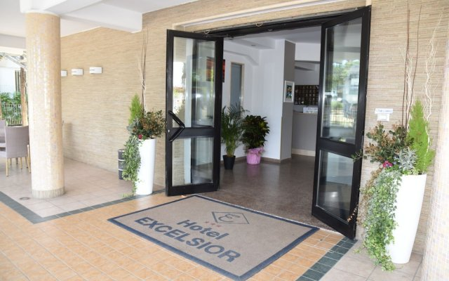 Отель Excelsior Италия, Монтезильвано - отзывы, цены и фото номеров - забронировать отель Excelsior онлайн вид на фасад
