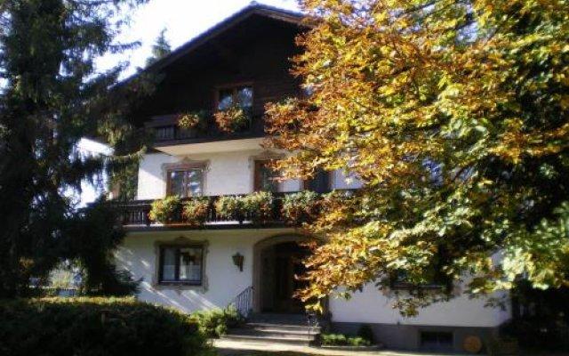 Отель Frühstückspension Helmhof Австрия, Зальцбург - отзывы, цены и фото номеров - забронировать отель Frühstückspension Helmhof онлайн вид на фасад