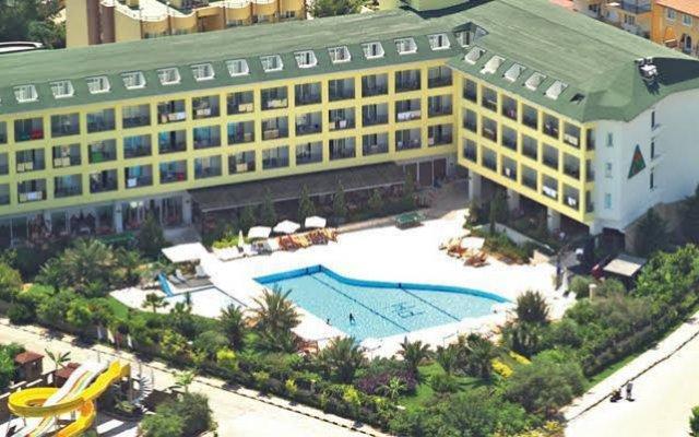 Pine House Hotel - All Inclusive вид на фасад