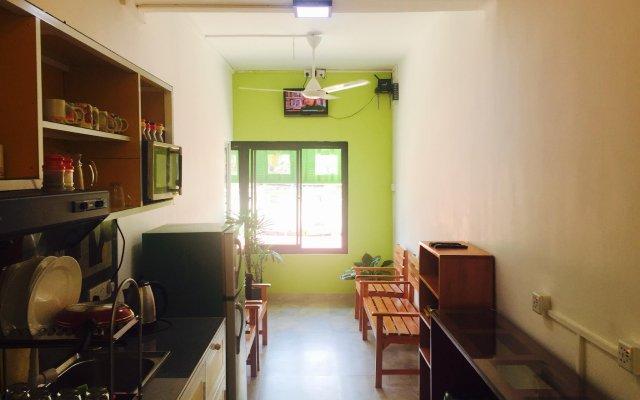 Colombo Downtown Monkey Hostel комната для гостей
