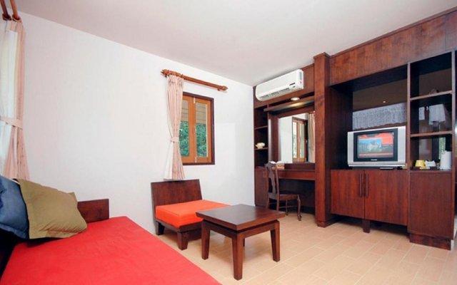 Отель Holiday Villa Ланта комната для гостей