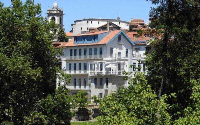 Отель Hostel & Suites Des Arts Португалия, Амаранте - отзывы, цены и фото номеров - забронировать отель Hostel & Suites Des Arts онлайн вид на фасад