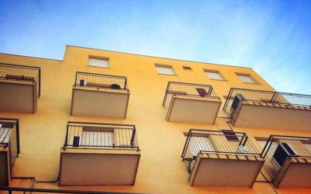 Hotel Ariosto вид на фасад