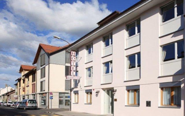 Отель Hôtel des Horlogers Швейцария, План-лез-Уат - 1 отзыв об отеле, цены и фото номеров - забронировать отель Hôtel des Horlogers онлайн вид на фасад