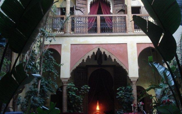 Отель Riad Marlinea вид на фасад