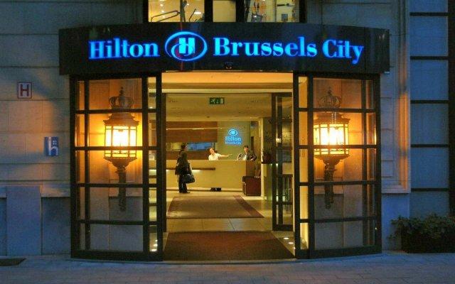 Отель Hilton Brussels City вид на фасад