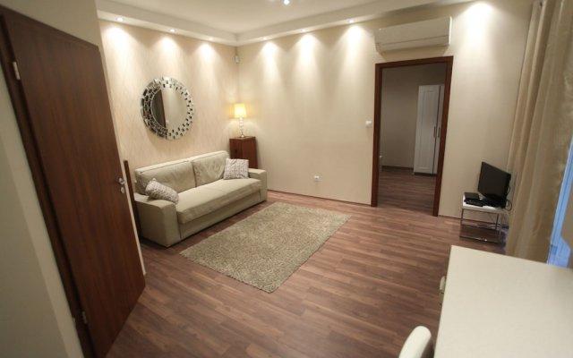 Апартаменты Dfive Apartments - Bland комната для гостей