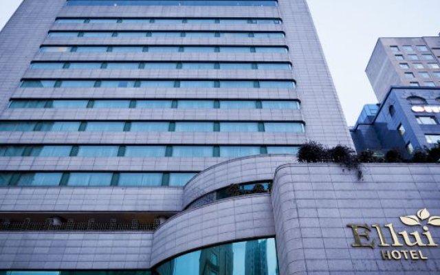 Hotel Ellui вид на фасад