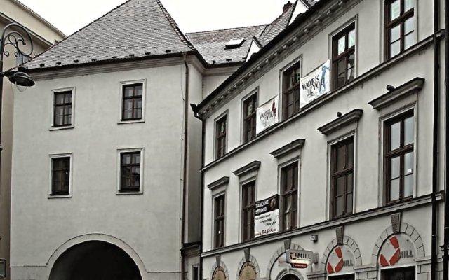 Отель Rooms Novobranská Брно вид на фасад