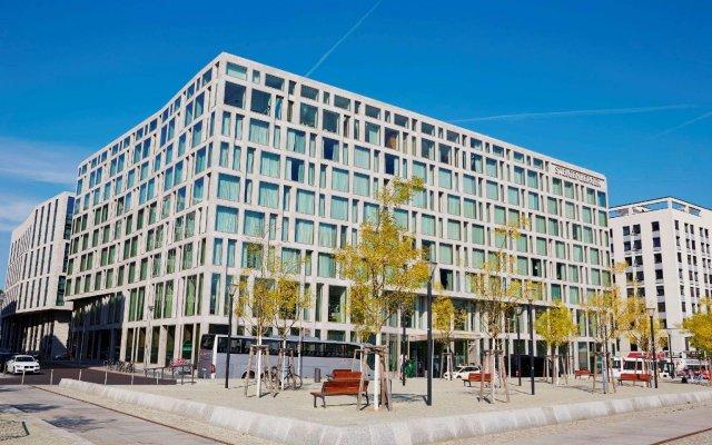 Steigenberger Hotel am Kanzleramt вид на фасад