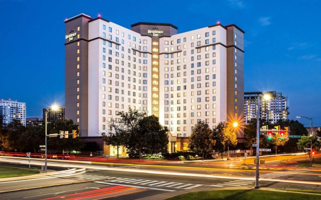 Отель Residence Inn Arlington Pentagon City вид на фасад