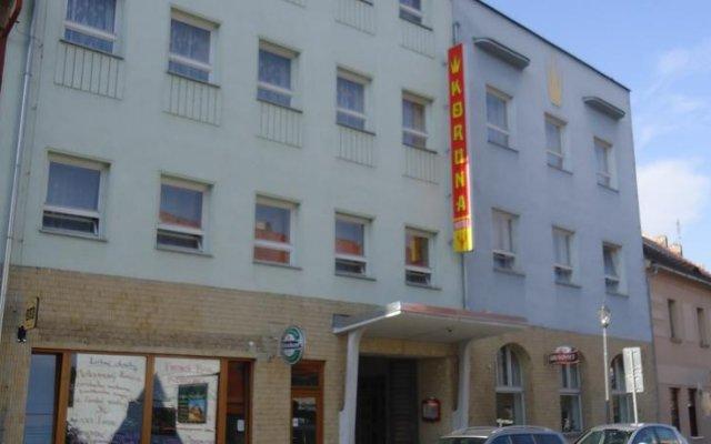 Hotel Koruna Злонице вид на фасад