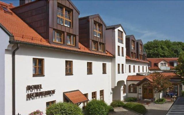 Hotel Lechnerhof Унтерфёринг вид на фасад