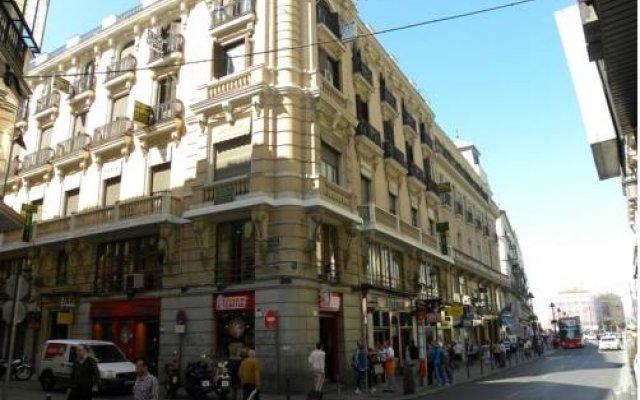 Отель Hostal Biarritz Испания, Мадрид - отзывы, цены и фото номеров - забронировать отель Hostal Biarritz онлайн вид на фасад