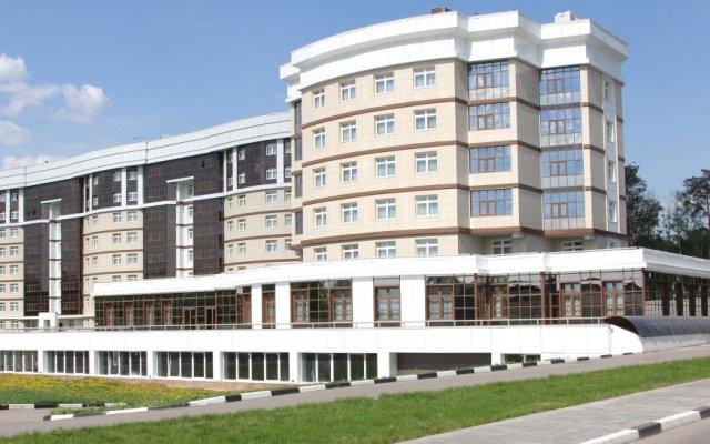 Гринвуд Отель вид на фасад