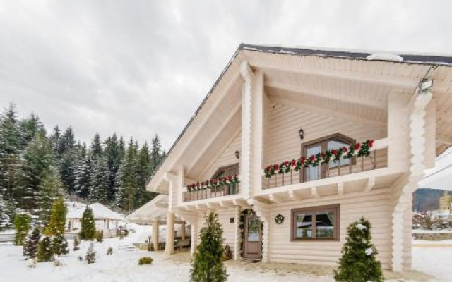 Гостиница Ведмежий Двир вид на фасад