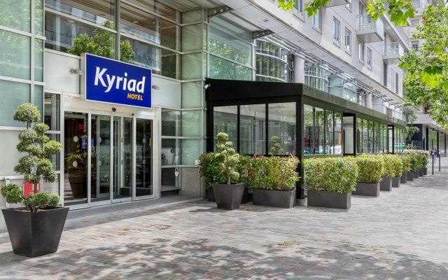 Отель Kyriad Bercy Village Париж вид на фасад