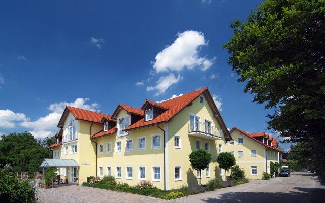 Hotel Nummerhof Эрдинг вид на фасад