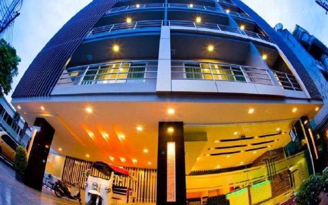 Отель Icheck Inn Residence Sukhumvit 20 Бангкок вид на фасад