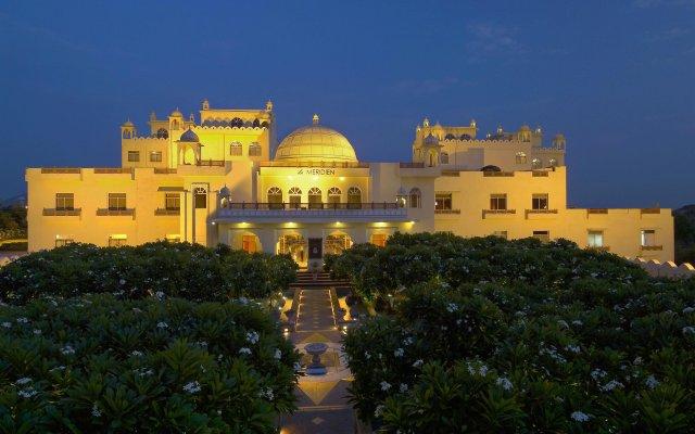 Отель Le Méridien Jaipur Resort & Spa вид на фасад