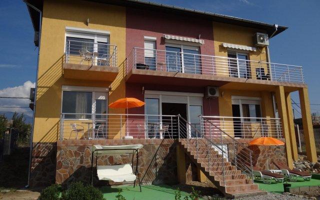 Отель Guestrooms Struma Dolinata Болгария, Симитли - отзывы, цены и фото номеров - забронировать отель Guestrooms Struma Dolinata онлайн вид на фасад