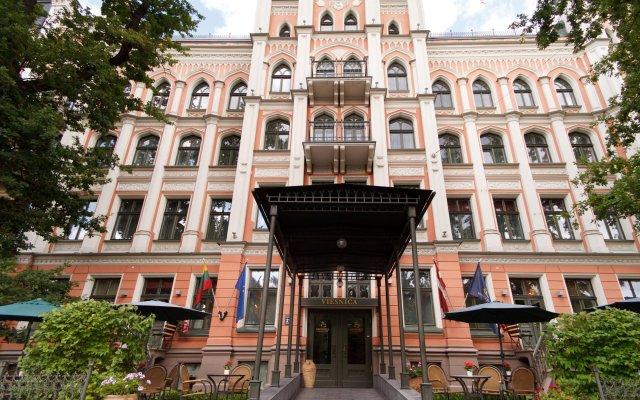 Отель Monika Centrum Hotels вид на фасад