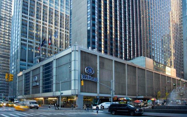 Отель Hilton Club New York вид на фасад