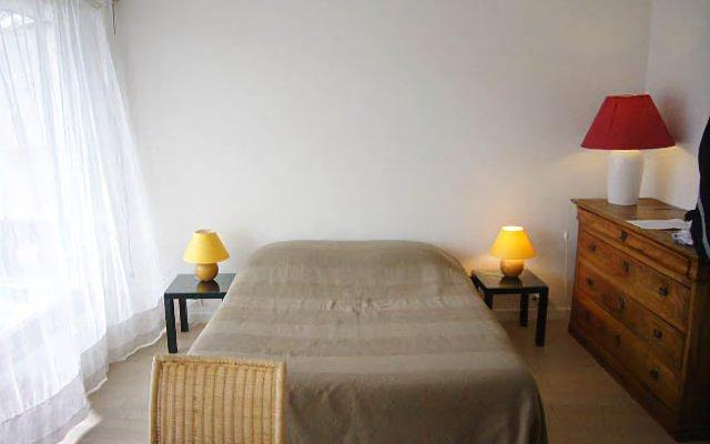 Отель Locaflat boulevard de Grenelle Studio Франция, Париж - отзывы, цены и фото номеров - забронировать отель Locaflat boulevard de Grenelle Studio онлайн комната для гостей