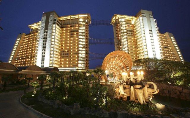 Отель Centara Grand Mirage Beach Resort Pattaya вид на фасад