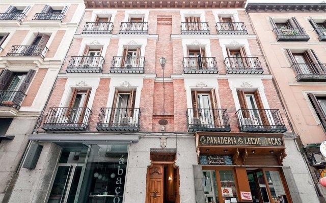 Отель OPORTO Мадрид вид на фасад