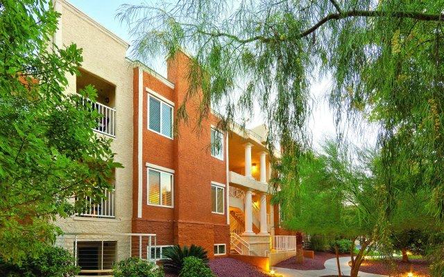Отель WorldMark Las Vegas Tropicana США, Лас-Вегас - отзывы, цены и фото номеров - забронировать отель WorldMark Las Vegas Tropicana онлайн вид на фасад