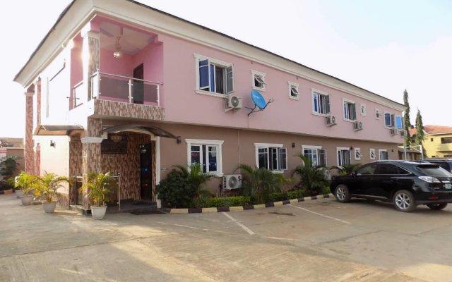 Отель De Fellas Palace Hotel & Suites Нигерия, Ибадан - отзывы, цены и фото номеров - забронировать отель De Fellas Palace Hotel & Suites онлайн