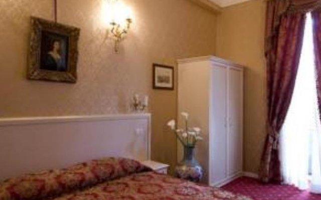 Отель Domus Borgognona Италия, Рим - отзывы, цены и фото номеров - забронировать отель Domus Borgognona онлайн комната для гостей