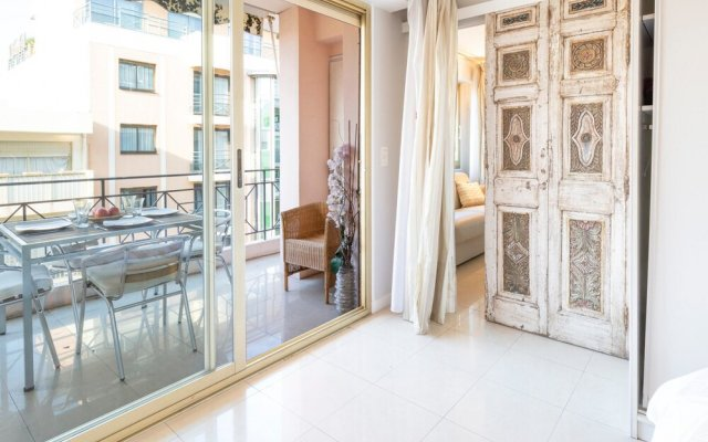 Bright one bedroom apartment, 200m from la Croisette and the city center 1