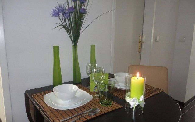 Отель Flatprovider - Comfort Gauss Apartment Австрия, Вена - отзывы, цены и фото номеров - забронировать отель Flatprovider - Comfort Gauss Apartment онлайн комната для гостей