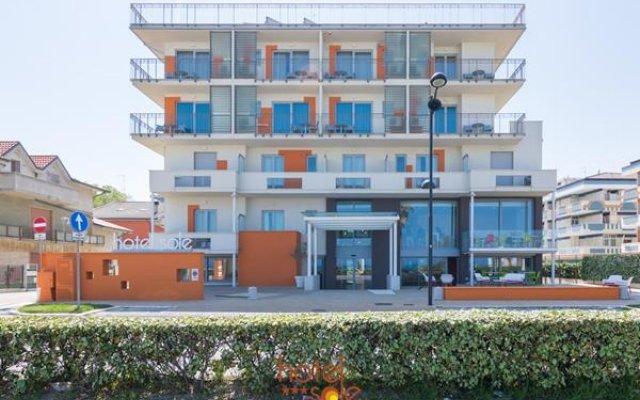 Hotel Sole вид на фасад