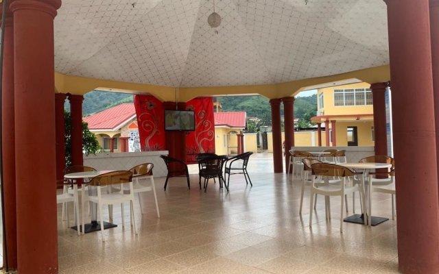 Monipee Hotel