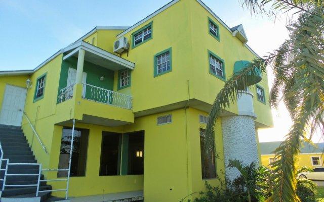 Caribbean Holiday Apartments 0