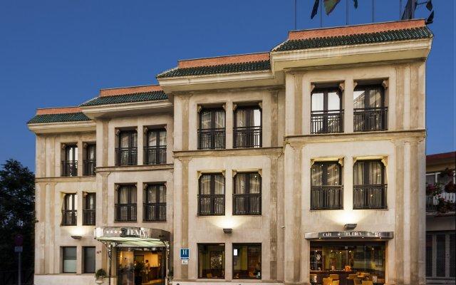 Hotel Fénix Torremolinos - Adults Only вид на фасад