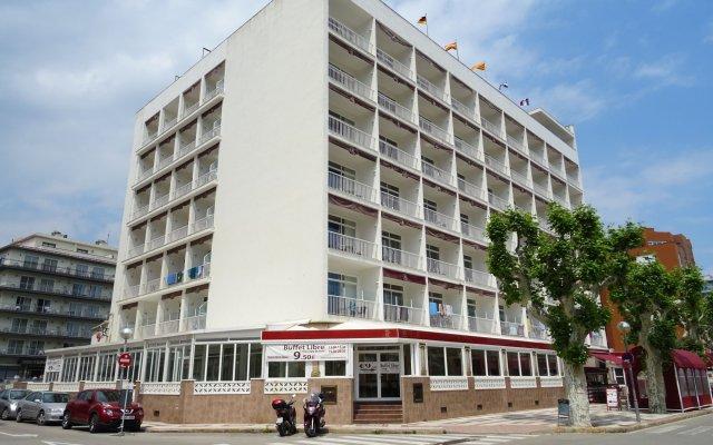 Отель Mont-Rosa вид на фасад