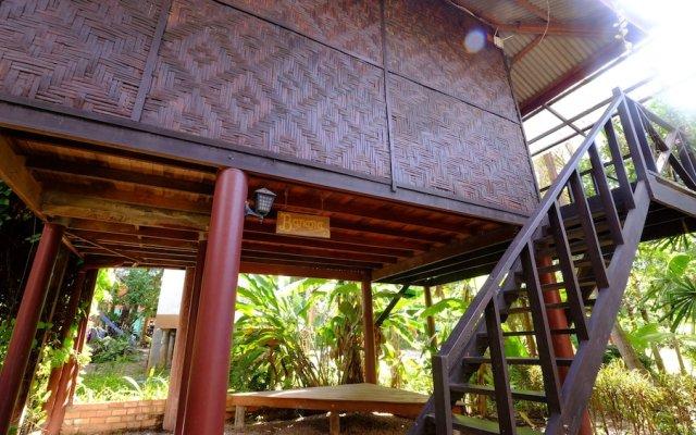 Отель Fruit Tree Lodge Ланта вид на фасад