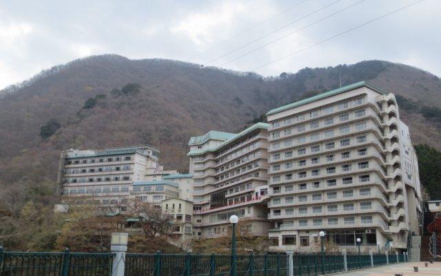 Отель Kinugawa Gyoen Япония, Никко - отзывы, цены и фото номеров - забронировать отель Kinugawa Gyoen онлайн вид на фасад