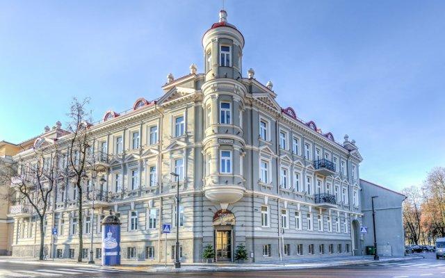Hotel Vilnia вид на фасад