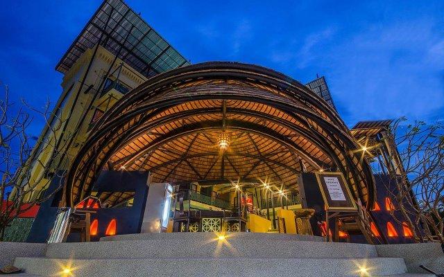 Отель Bhundhari Chaweng Beach Resort Koh Samui Таиланд, Самуи - 3 отзыва об отеле, цены и фото номеров - забронировать отель Bhundhari Chaweng Beach Resort Koh Samui онлайн вид на фасад