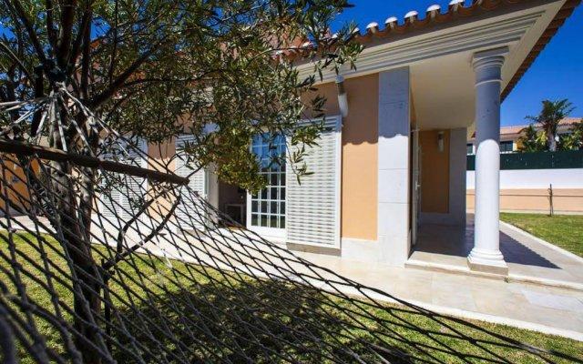 Отель Casa Da Luisa Guesthouse Португалия, Кашкайш - отзывы, цены и фото номеров - забронировать отель Casa Da Luisa Guesthouse онлайн вид на фасад