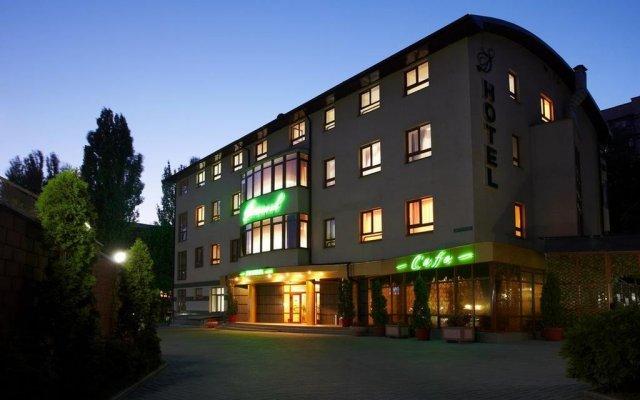 Гостиница Доминик вид на фасад